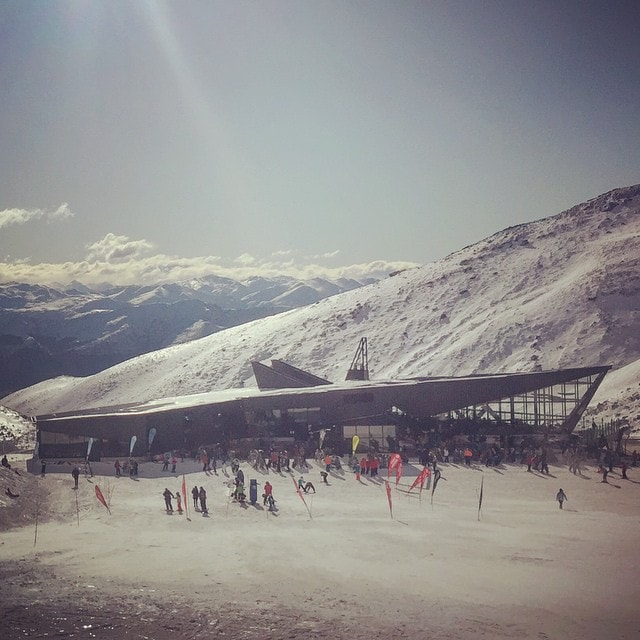The new base building at #TheRemarkables. Thanks to the #NZSki crew for taking us up for #SMDayQT. Although if I'm honest it made me want to go #Snowboarding more than take photos.  #TheRemarks #ParkLife #WinterStartsHere  #SMDay #Skiing #Snow #Mountains #Ski